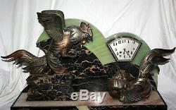 1920/1930 Pendule SCULPTURE ART DECO Coqs Combattants Regule marbre Clock