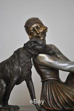 A Godard, Femme Au Barzoï, Sculpture Signée, Art Déco, XXème Siècle