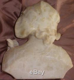A. SACCARDI Sculpture buste art déco en albâtre ou marbre Femme chapeau & rose