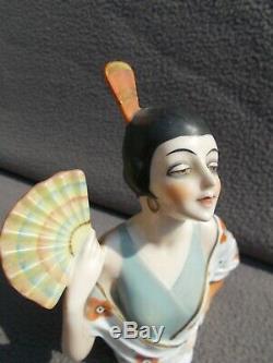Ancienne demi figurine femme art deco 1920 sculpture en porcelaine half doll 20s