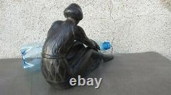 Ancienne grande sculpture ART DECO en régule jeune femme assise à la panthère
