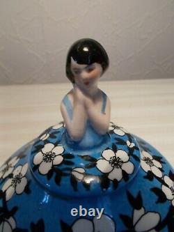 Boite en porcelaine art deco 1930 statuette femme sculpture poudrier half doll
