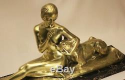 Bronze Art Déco Sculpture femme nue au chien Louis RICHE (1877-1949) 33×15×59 cm