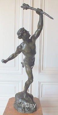 Bronze art déco homme porteur flamme par Lemoyne 68,5 cm sculpture