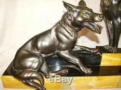 Couple de chiens en régule sur socle marbre signé L. CARVIN époque Arts-Déco