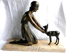 D. H Chiparus grande sculpture statue Art Déco Femme au Faon 1930