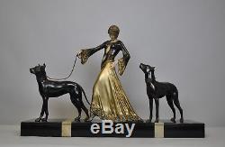 Gori, Femme aux dogues, sculpture signée, Art déco XXème siècle
