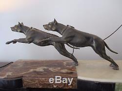 Immense Statue sculpture chryséléphantine Art Déco 1925 femme aux dobermans 91cm