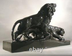 L. Francois St Radegonde Sculpture Art Déco à 2 Lions en Faïence Craquelé Noir