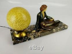 Lampe art-déco ancienne socle marbre sculpture régule boules pâte de verre 34cm