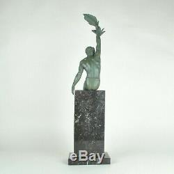 Pierre Le Faguays, Gloire, Sculpture Signée, Art Déco, 20eme Siècle