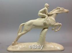 SARREGUEMINES Paire sculpture équestre Art Déco Jockey Faïence crème CSO Cheval