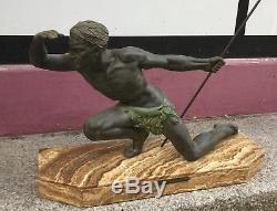 Sculpture Art Déco De J. De Roncourt Chasseur Design 1930