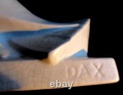 Sculpture Art Déco, céramique craquelée blanche signée DAX, Les Colombes