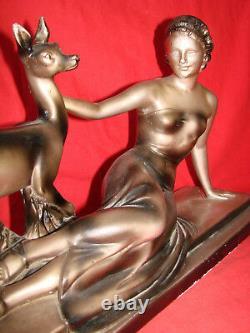 Sculpture Art Deco platre signée Cipriani La femme et la biche Antique French