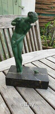 Sculpture En Bronze Art Deco Raymonde Guerbe Femme A La Grenouille Patine Verte