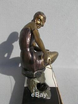 Sculpture art deco 1930 statue femme & otarie BALLESTE en regule couleur bronze