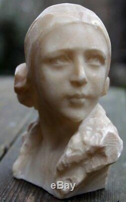 Sculpture art déco signée G. DIL ROSSO en albâtre ou marbre blanc