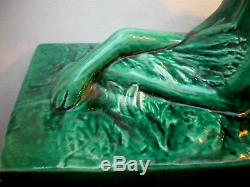 Sculpture céramique craquelée Art Déco, Le LEVRIER couché, Lejan-Lemanceau
