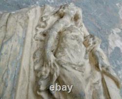 Sculpture en bas-relief, moulage ancien en plâtre de style Renaissance