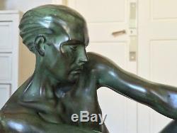 Sculpture statue signée Max Le Verrier Grand modèle Le pêcheur