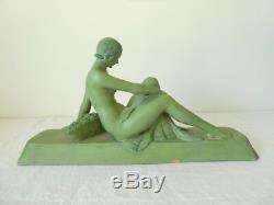 Statue ART DECO Femme Nu en Terre cuite