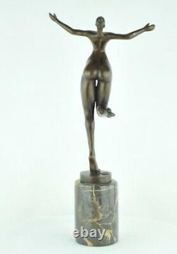 Statue Sculpture Danseuse Nue Acrobate Sexy Style Moderne Style Art Deco Bronze