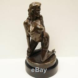 Statue Sculpture Demoiselle Nue Sexy Pin-up Style Art Deco Bronze massif Signe