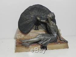 Statue Sculpture Femme Art Dèco 1930 SPORTIVE AU PAON base en marbre