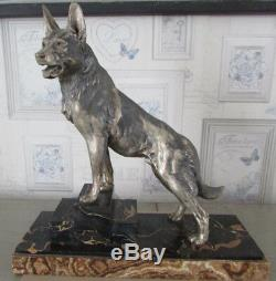 Statue en régule Berger allemand Sculpture Art Déco signé L Carvin 1875-1951