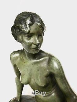 Superbe très grand bronze Art Déco jeune femme nue au chien signé Louis RICHE